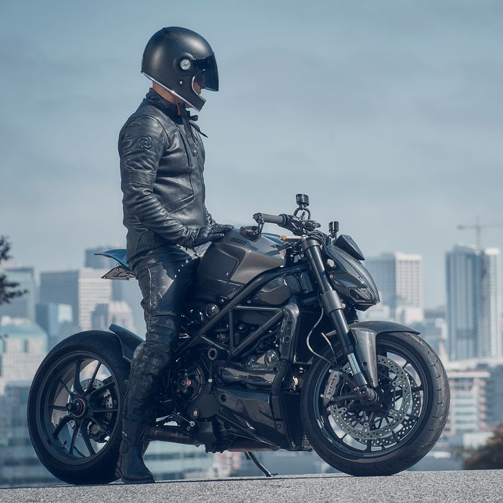 The Hammerbeast Ducati Streetfighter—star of our latest gear round-up, featuring new motorcycle jackets. The rider is wearing the eagerly-anticipated new release from Pagnol, the M2.