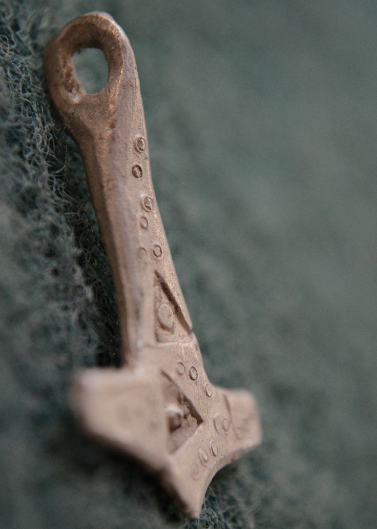 The Vikings. Ancient PENDANT AMULET, the Hummer of God THOR, Mjolnir. ca 1000 AD | eBay