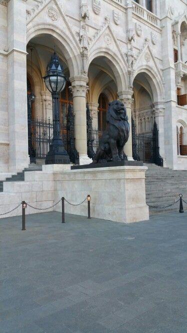 Parlament - Főbejárat