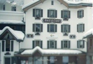 Hotels Chamonix | Close To Ski Lifts - The Hotel de l'Arve has such an excellent location only a block from the center of town, across the road from the La Savoy lift and the bus stop for transport to the cable cars just steps away at the corner of the street.