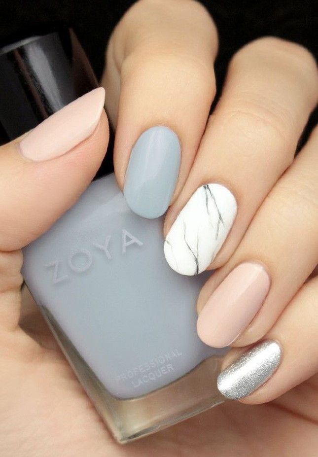 Minimalist beauty lovers, this pastel + marble nude manicure is for you.