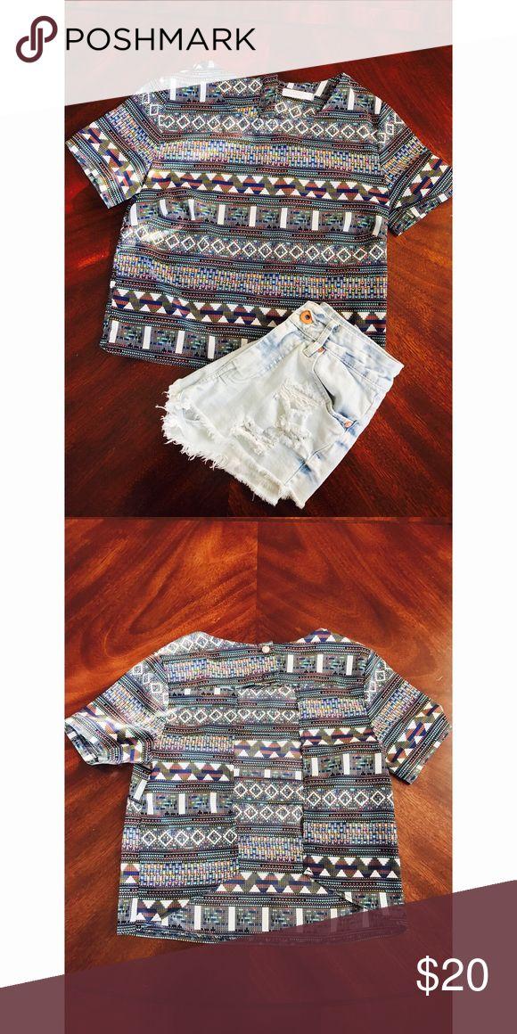 Lush flowy crop tribal shirt Never worn | Tribal Print | Lush Tops Crop Tops