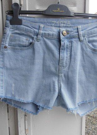 A vendre sur #vintedfrance ! http://www.vinted.fr/mode-femmes/short-en-jean/21722602-short-en-jean-zara-taille-38