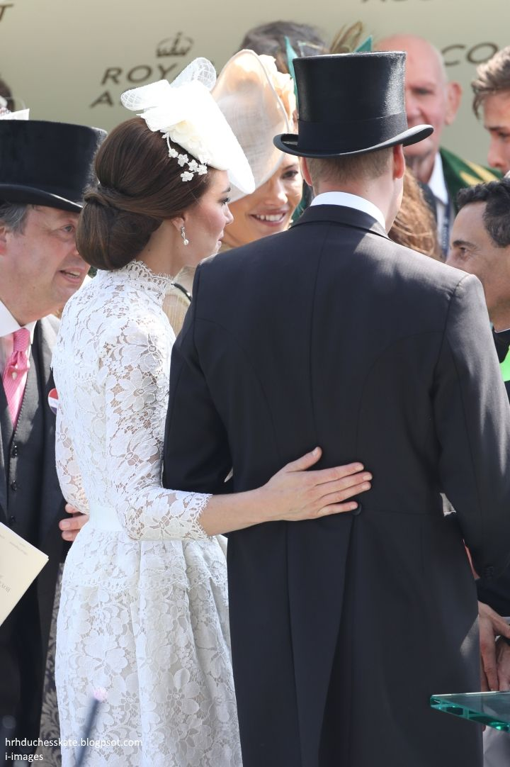 The Duke and Duchess of Cambridge joined the Queen for day one of Royal Ascot this afternoon. The royals arrived in the carriage proces...