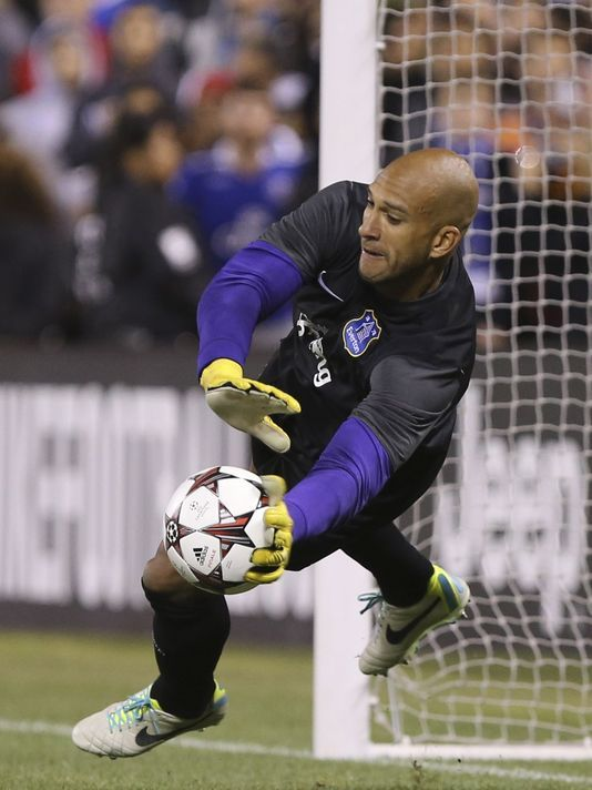 US goalie Tim Howard signs two-year extension with Everton