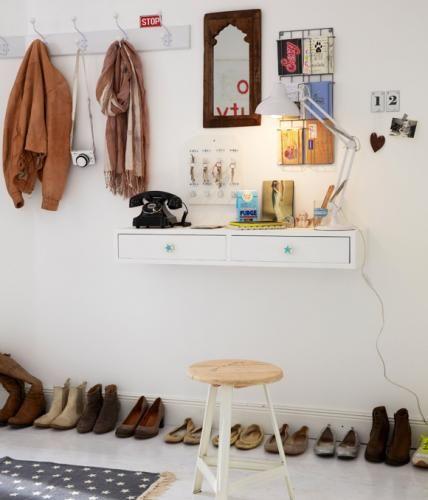 die besten 25 garderobe kleiner flur ideen auf pinterest kleiner eingang kleiner saal und. Black Bedroom Furniture Sets. Home Design Ideas