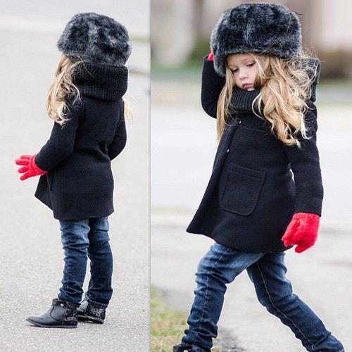 Durante el invierno los guantes y el gorro serán los must to go para tu pequeña, abrigador y cool.