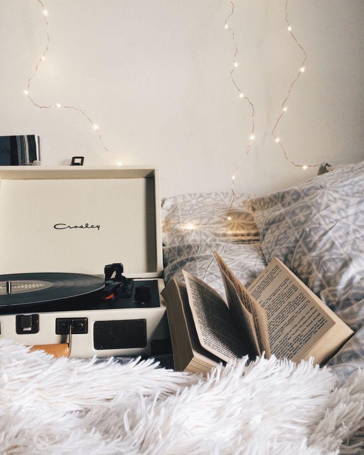 Cozy Room Photography Idea Bookstagram Tumblr Instagram Blog Flatlay Inspiration