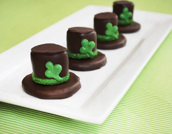 Deliciosas galletas de chocolate con nubes blancas, para San Patricio! / Delicious cookies with marshmallows for your St. Patrick's Day party! #cookies #cook #recipes #cake