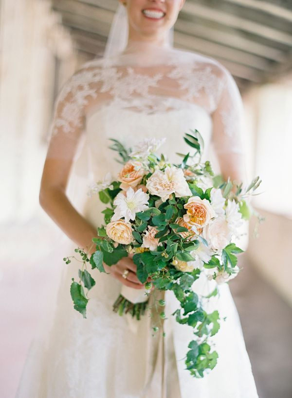 peach and white wedding bouquet | Whitney and Drew – Santa Lucia Preserve