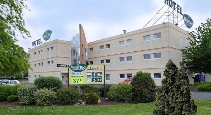 Mister Bed Le Mans Université Le Mans The Mister Bed Le Mans Hotel offers free Wi-Fi internet access and free on-site parking. It is located just 4 km from Le Mans city centre and a 5-minute drive from exit 8 of the A11 motorway.