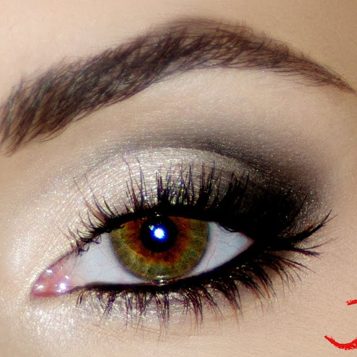 This beautifully created gradient effect eye, looks great on an evening out. Use white eyeshadow on the base and darken on the outer corners, lining the eye with a black gel liner.