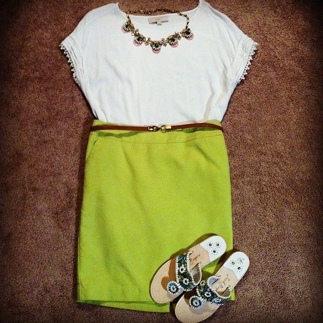 Jack Rogers outfit  @alongthelinesofstyle on Instagram