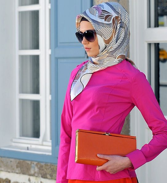 Perfect veil style for office.