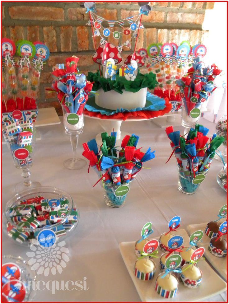 Candy bar de Los pitufos: Una mesa super colorida y llena de los personajes azules de nuestra infancia.      Paragüitas   Bocaditos Cabsha...