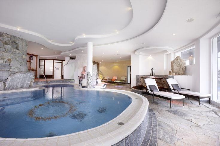 Wellnessurlaub im Hotel Sonnhof | der Saunabereich mit XXL Whirlpool und Sauna | Wellnesshotel Sonnhof