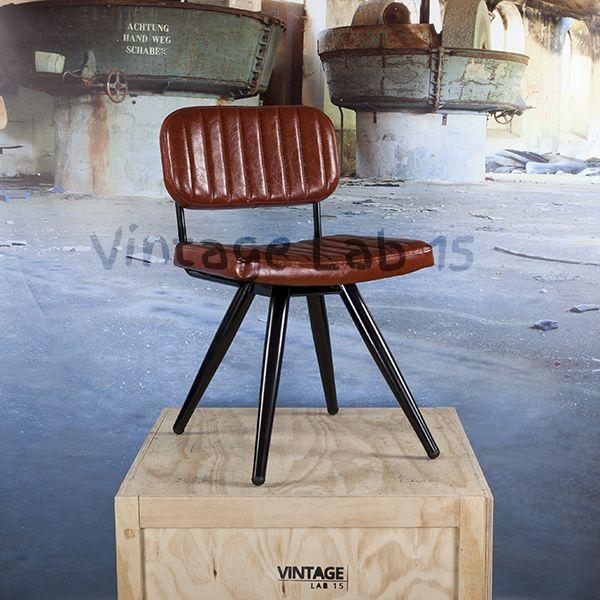 Retro industriële eetkamerstoel cognac Eetkamerstoelen De stoel is een echte aanwinst voor uw interieur en heeft een perfect zitcomfort. Ook zijn de stoelen helemaal met de hand gemaakt, hierdoor is iedere stoel uniek. De zitting is van leer en heeft zwarte ronde poten.