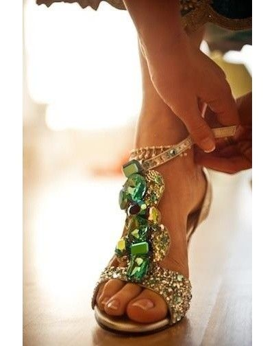 The most amazing jeweled emerald wedding shoes... it makes me wish I was only 5ft so I could wear these for my wedding day