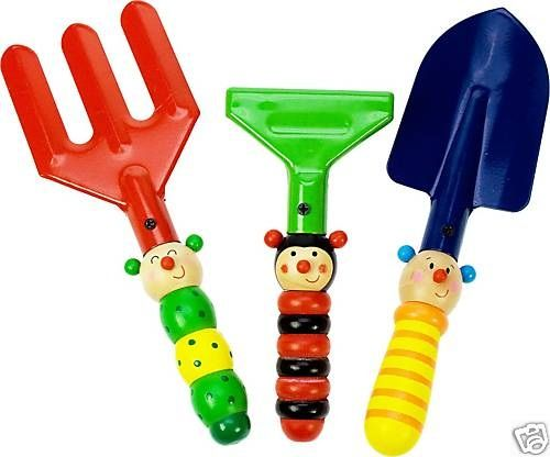 Wooden Kids Animal Garden 3pce Tool Set - $10 This is a great idea to get the kids playing outside in the garden, with Wooden Animal handles Measures aprx 20cm long each 3yrs