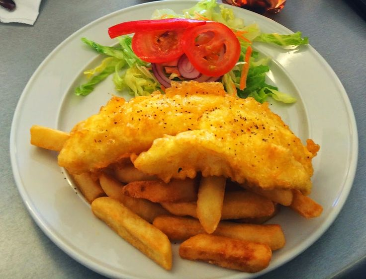 Auckland Food and Drink Specialties along with indicative Prices. These include traditional Maori #Hangi, fish and chips, lemon and peroa drink among others. #aucklandfood #newzealandfood