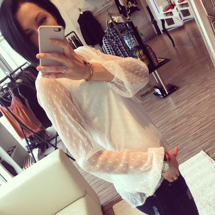 For Love & Lemons Lil Darlin blouse + Shashi braselets + Jeans DL1961 = ❤️❤️❤️ Check on www.fashion-addict.eu   #forloveandlemons#polkadot#white#comfy#fashionista#outfit#beauty#shashinyc#dl1961#comfort#style#bohemian#jeans#denim#fashionaddict#