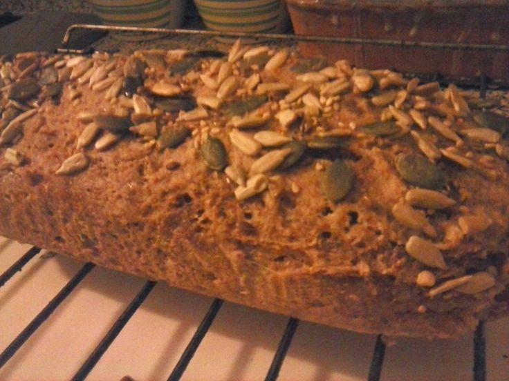 Vita Frugale: Pane integrale ai semi