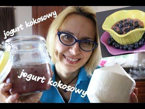 Jak zrobić jogurt? Przepis na jogurt kokosowy - zwykły i jagodowy.