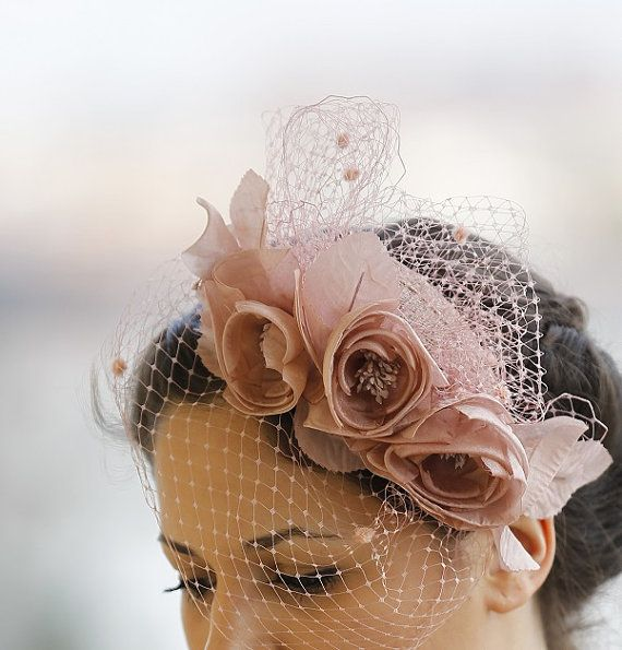 Pale pink fascinator / Dusty Pink headpiece / Blush Pink bridal headpiece /  Wedding / Party / Mother of the bride / Bridesmaids fascinator