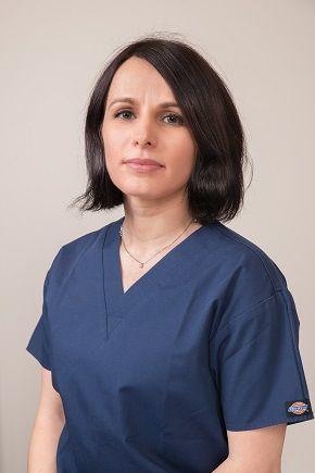 Dr. Andrea Kertész Chirurgien dentiste