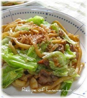 """「ウエイパーで豚肉とキャベツのうまうま焼きうどん」中華のだしでの""""ウエイパー""""を使って焼きうどんにしてみました。【楽天レシピ】"""