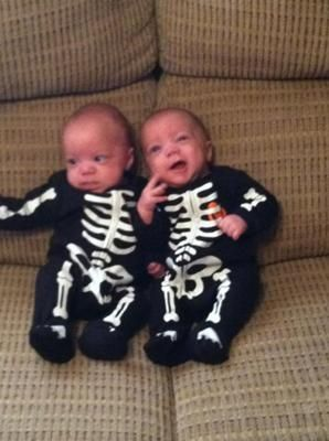 wwwtwinsgiftcompanycouk skeleton costumes for twin babies - Baby Twin Halloween Costumes