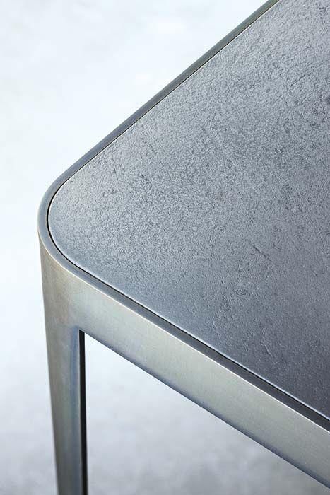 LEMA | A rigorous and elegant design for FILO table by David Lòpez Quincoces made of thin steel legs welded to a frame of the same material, which confer ultra-lightness to the structure.
