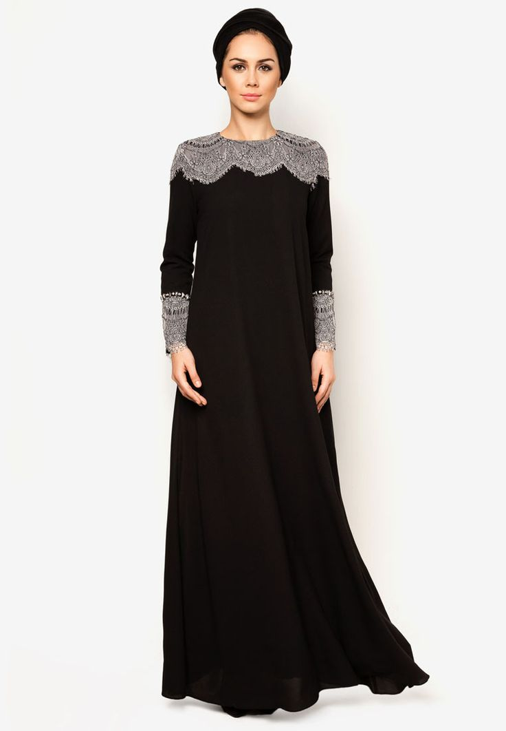 Abaya in black