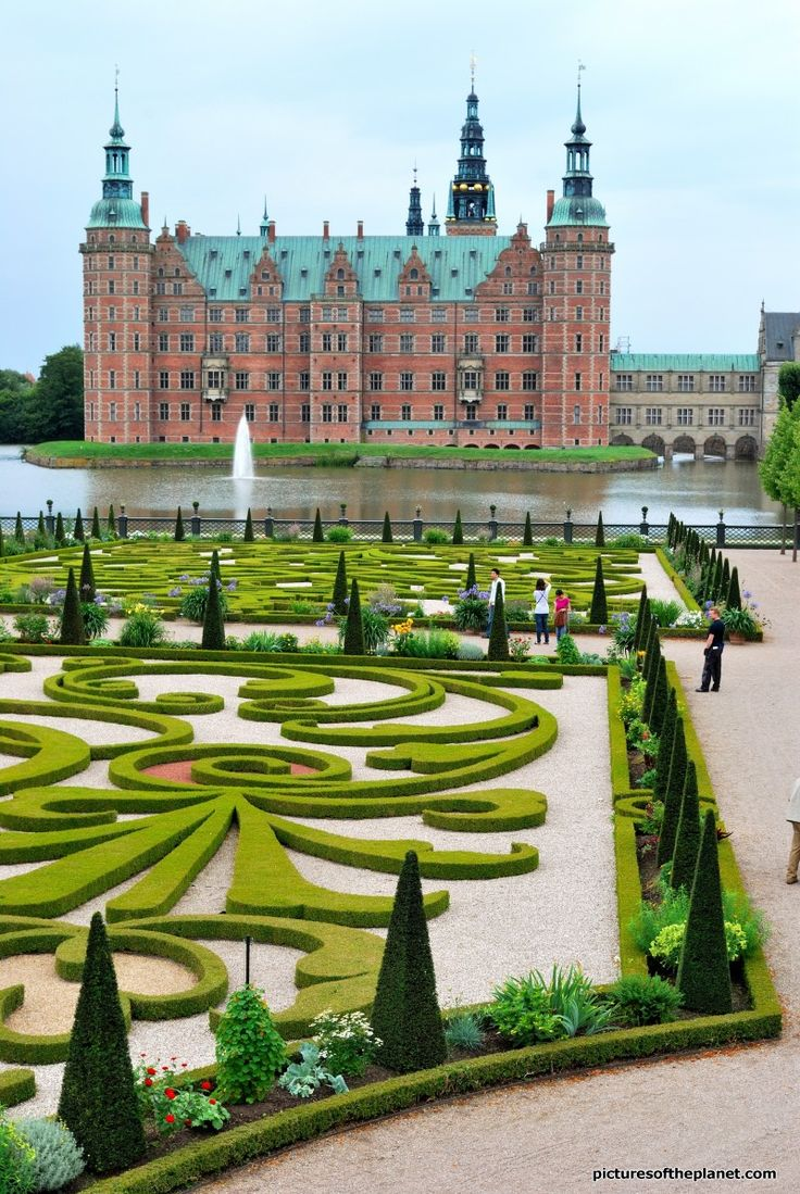 The museum of national history at frederiksborg castle copenhagen - Frederiksborg Castle And Gardens Hillerod Denmark Places Travel Europe National Historycopenhagen