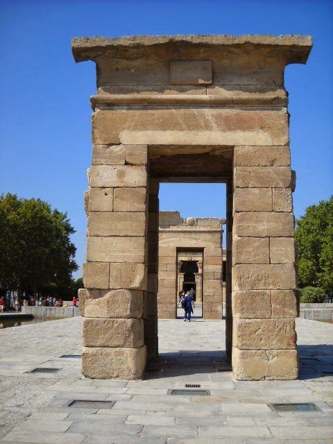 El Templo de Debod. Madrid.                                                                                                                                                                                 Más