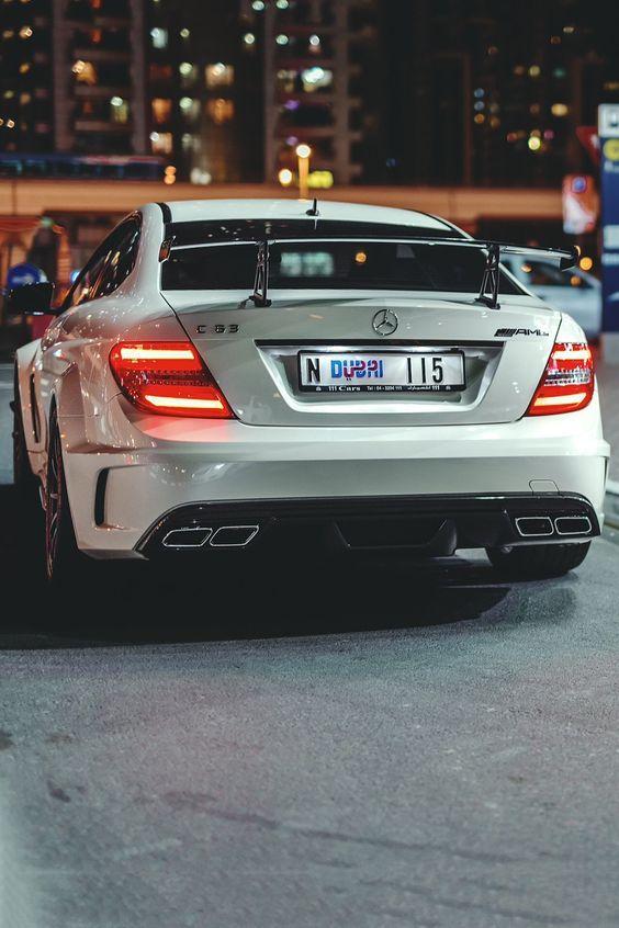 Dubai Mercedes AmG tolle Lichter