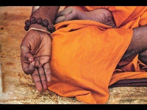 """""""...En la meditación, el yogui borra ese tosco sentido de la realidad y se orienta nuevamente hacia la luz, lo ideal, lo divino. El Yoga apunta hacia la perfección, que significa vivir desde nuestro centro creativo las veinticuatro horas del día, sin disfraces ni evasiones, libres de cualquier forma de irrealidad. El yogui triunfador no se limita a establecer contacto con el núcleo omnisapiente: se convierte en él.  Deepack Chopra, Vida sin condiciones."""