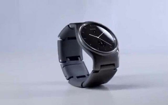 Ecco Blocks, il primo smartwatch modulare Questo smartwatch Blocks è davvero destinato a far parlare di sé e potrebbe anche funzionare: in effetti gli smartwatch di oggi sono o troppo avanzati, o troppo basilari e non vi sono vie di mezzo tr #blocks #smartwatch