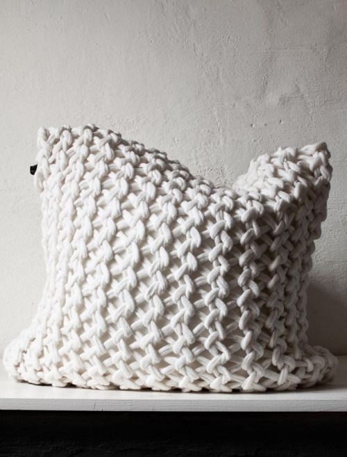 simple knit cushion, textural accent