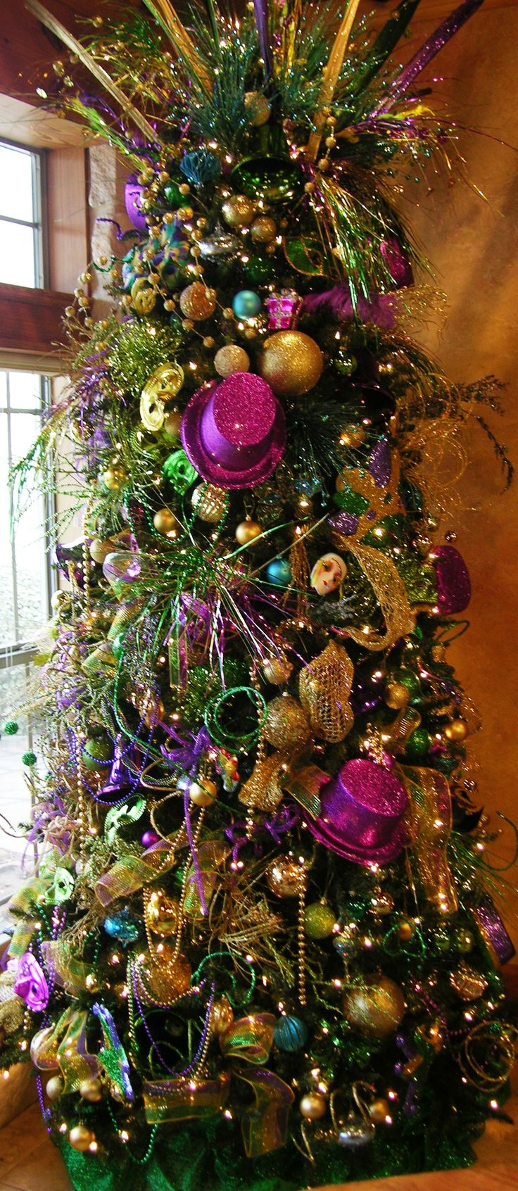 Decorated slim christmas trees ideas - Crazy That There Are People Who Do This Right After Christmas