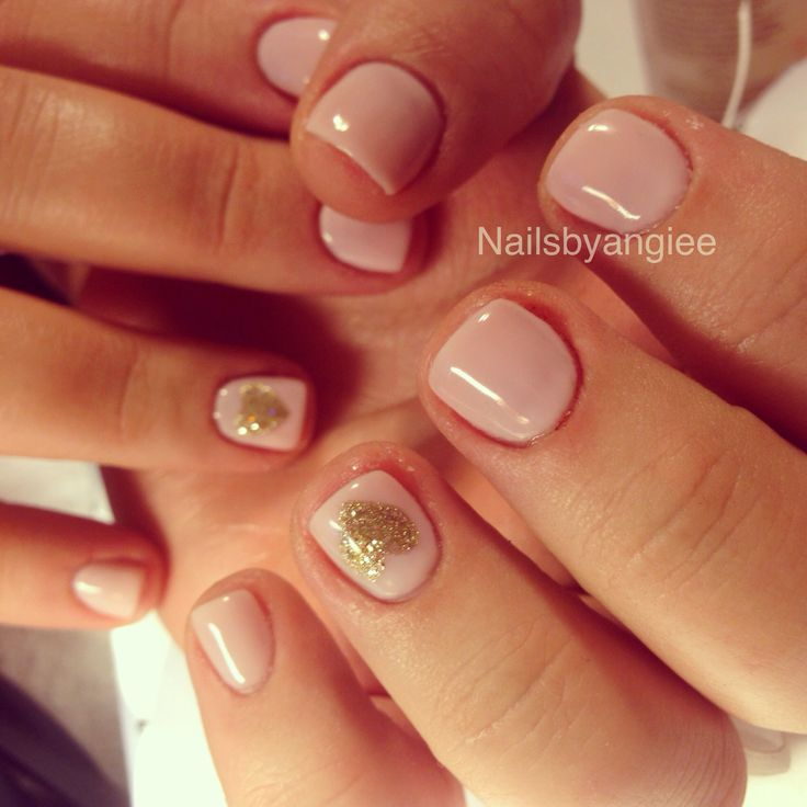 simple and cute gel nail design