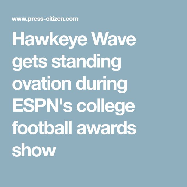 Hawkeye Wave gets standing ovation during ESPN's college football awards show
