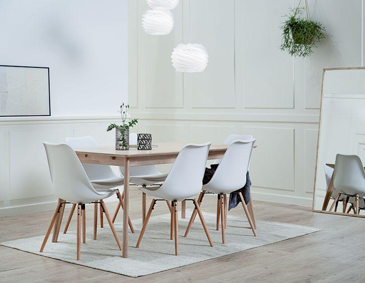KLARUP spisestol hvit, KALBY spisebord, OBSTRUP speil, TONE pendellampe | Classic Living | Skandinaviske hjem, nordisk design, Skandinavisk design, nordiske hjem | JYSK