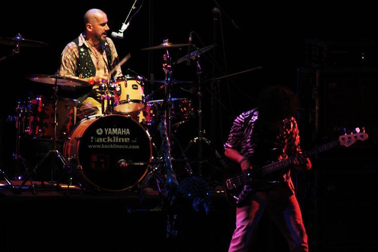 Richie Arnedo, director y baterista de LMK.