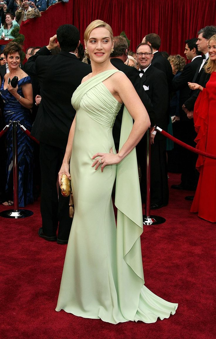 Kate Winslet's Oscar Dresses, Ranked | In Valentino (2007)