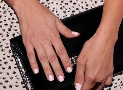 Awwww...Kim Kardashian And Her Mom Wore Matching Nail Polish Last Night