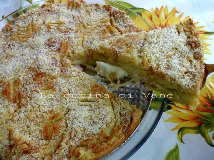 Torta di patate con scamorza e prosciutto ricetta golosa