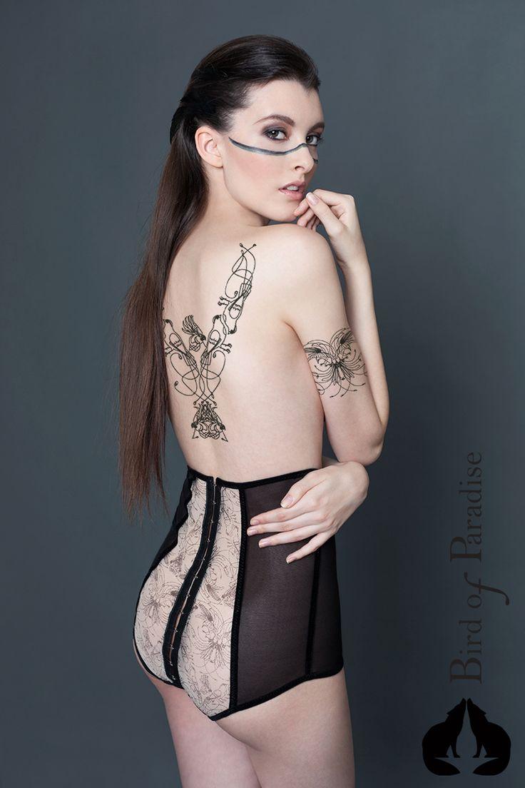 Design: www.marievangils.be Photographe: StreetglamsMarta Hurtado Photography Model: Sharon Boucquez MUA: Make-up by Liesbeth  #NewCollection #lingerie #Belgique #Bird #plumes #Paradise #fashion #stvalentin