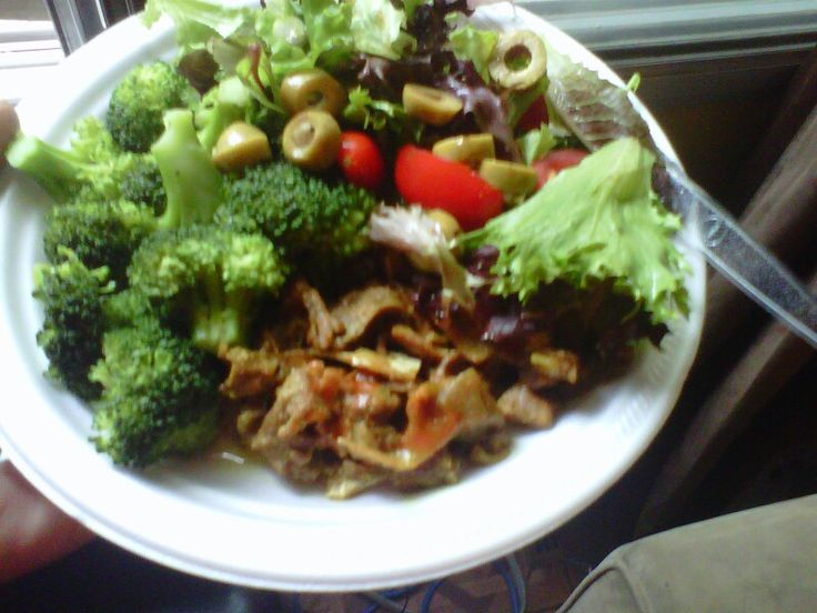 Steam broccoli with fresh salad  and Steam  chicken