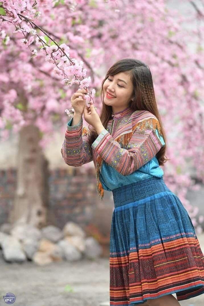Nguồn: Ỷ Vân Hiên. trong 2020   Văn hóa, Áo dài, Việt nam